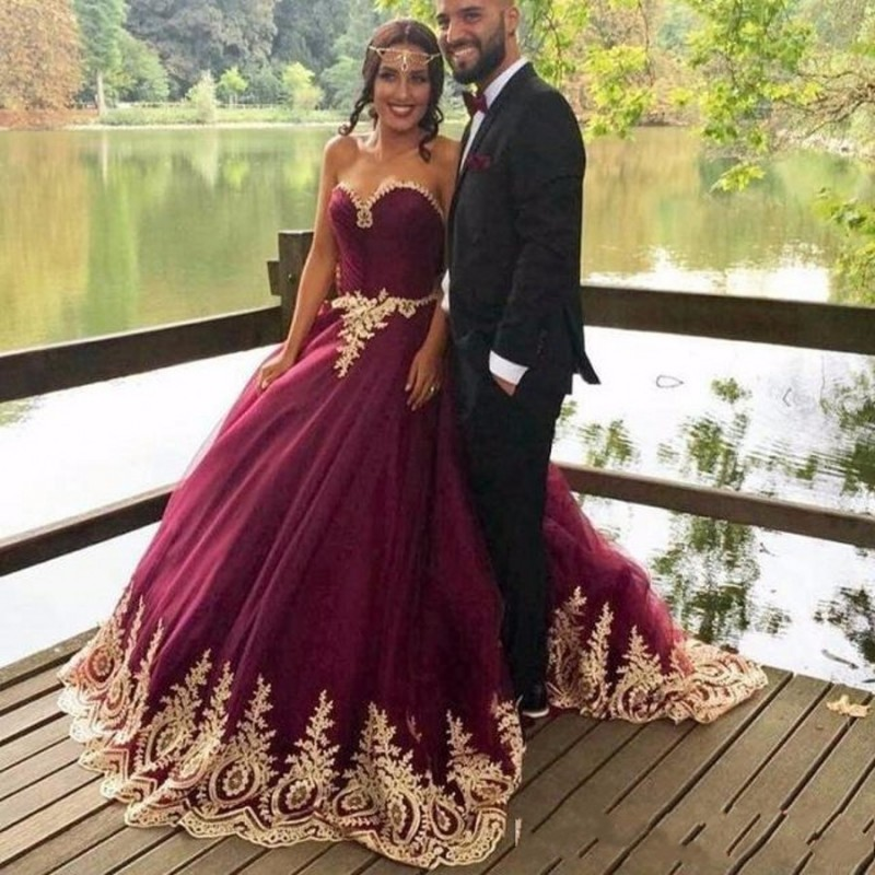 Arabic Princess Ball Gown Evening Dresses, 2017 Purple Prom Dresses, Gold Appliques Beaded Wedding Dresses, Vintage Purple Evening Dresses, 2017 Formal Evening Dresses, Ball Gown Wedding Bridal Dress With Gold Sequins