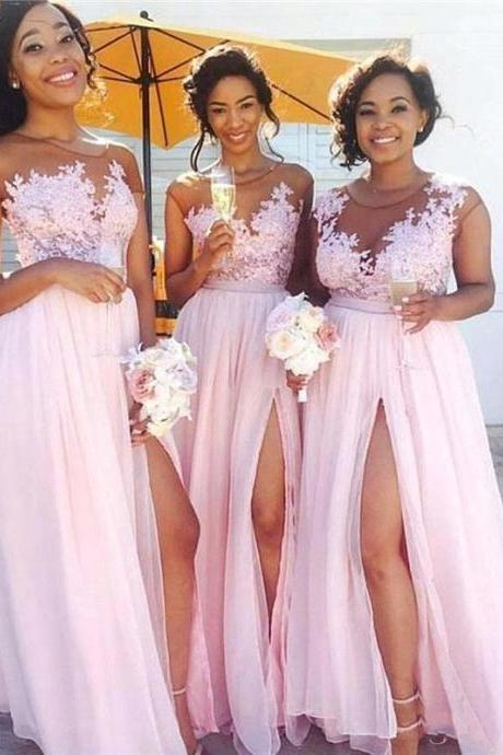 Flowy Chiffon Pink Long Bridesmaid Dresses Sheer Neck Cap Sleeves Appliqued Illusion Bodice Sexy Split Summer Maid Of Honor Gowns Plus Size